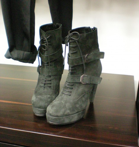 THE KOOPLES laced-up platform boots in suede