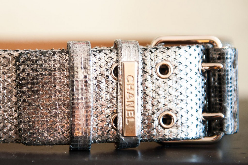 Mary_Kate_Steinmiller-chanel belt-the coveteur